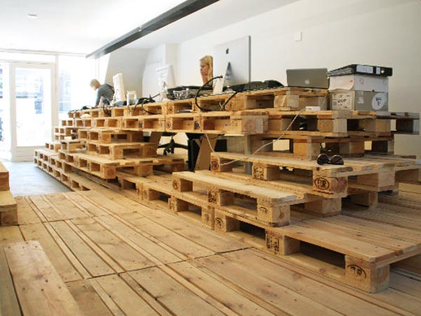 Brandbase-Agency-Amsterdam-Office-From-Pallets-2